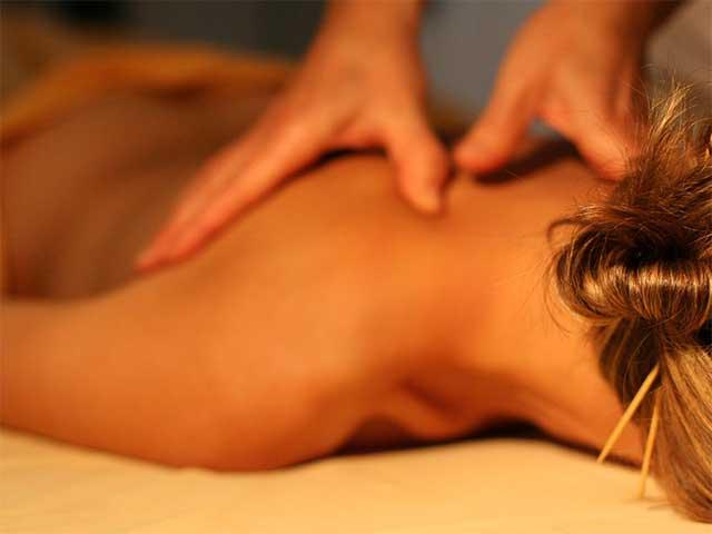 massage relaxant du dos Mélanie Mordogan naturopathe